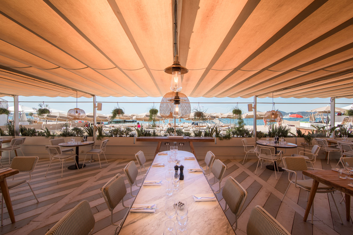 This Cannes beachfront hotel features our vintage-style outdoor lights